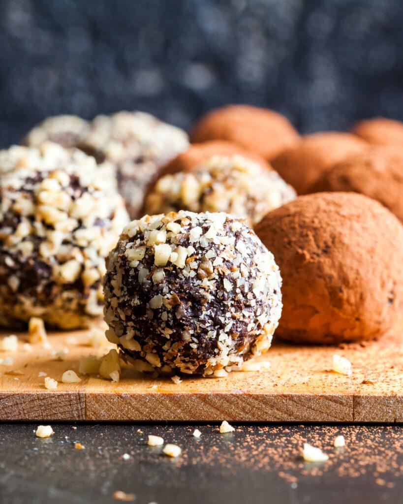 Шоколадные-трюфели-с-голубым-сыром Shokoladnye-tryufeli-s-golubym-syrom