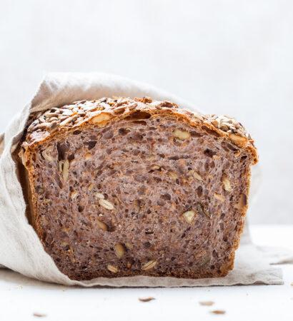 Хлеб-из-муки-с-отрубями-с-орехами-и-семечками Hleb-iz-muki-s-otrubyami-s-orehami-i-semechkami