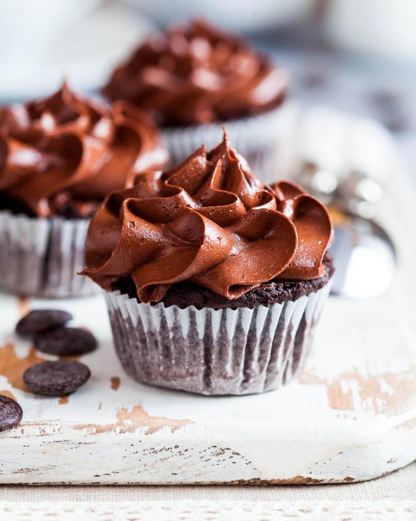 Шоколадные-капкейки Shokoladnye-kapkeiki